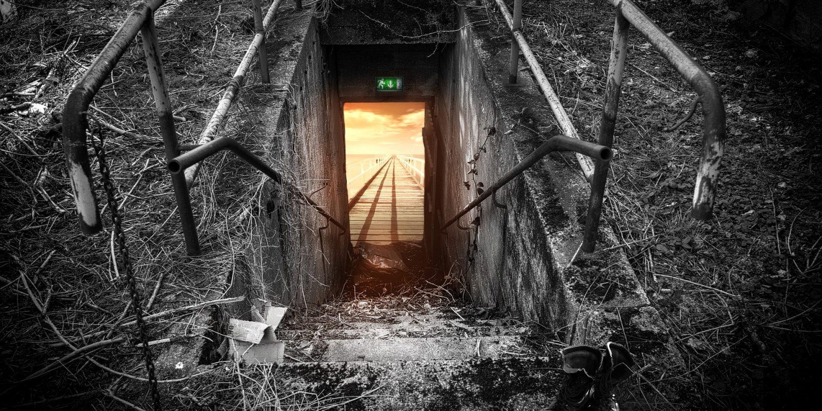 emergency-exit-696656_1920 - Andreas Riedelmeier de Pixabay